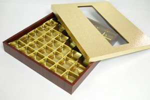 42 CAVITY WOODEN CHOCOLATE BOX